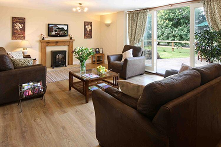 Old Oak Cottages - Image 3 - UK Tourism Online