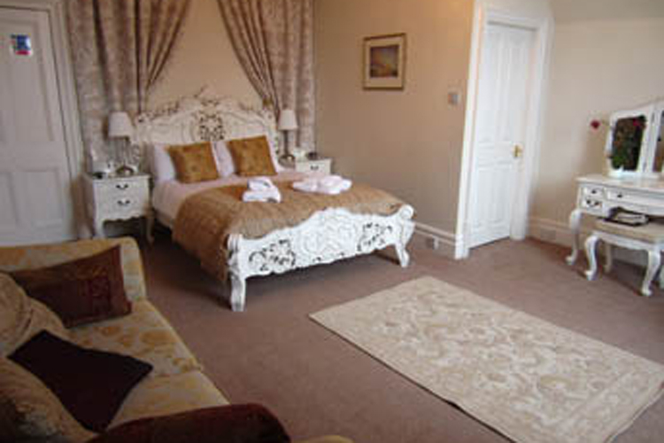 Settle Lodge Guest House - Image 1 - UK Tourism Online