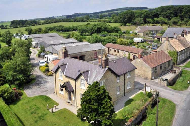 Studley House Farm - Image 1 - UK Tourism Online