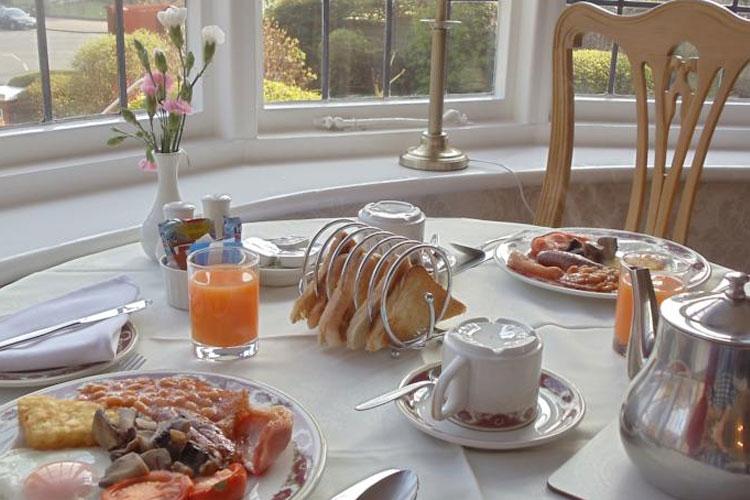 Sunningdale Guest House - Image 5 - UK Tourism Online