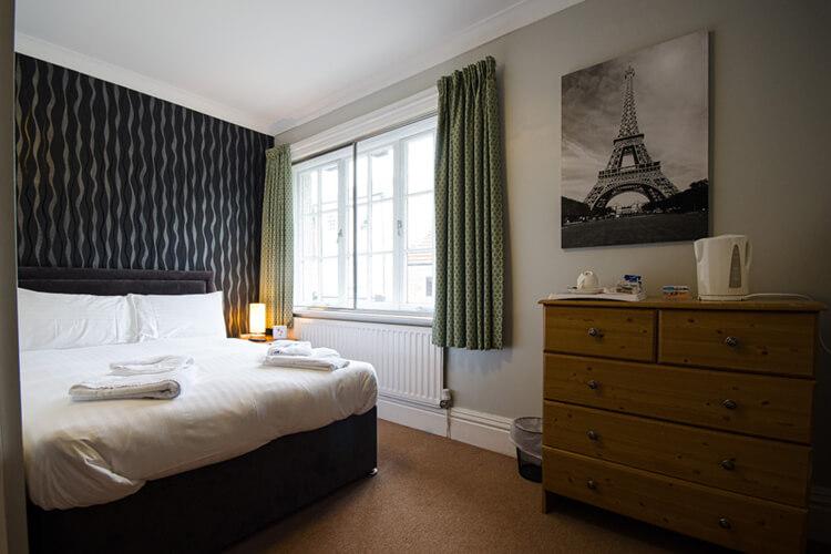 The Fox Inn - Image 1 - UK Tourism Online