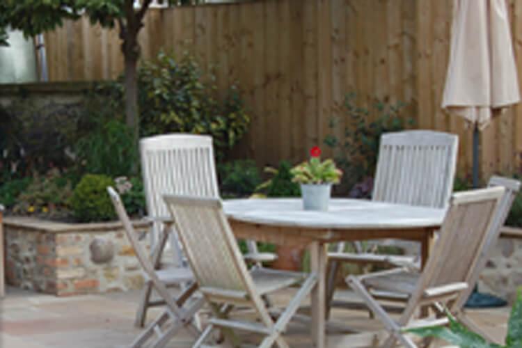 The Garden Bothy - Image 3 - UK Tourism Online
