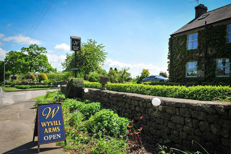 The Wyvill  Arms - Image 1 - UK Tourism Online