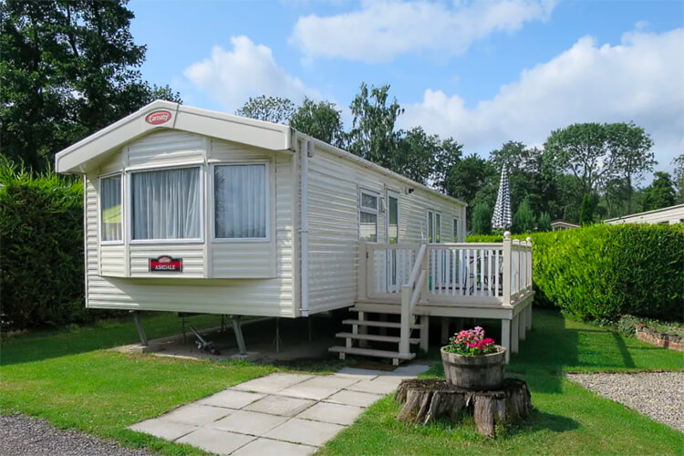 Thirkleby Hall Caravan Park - Image 2 - UK Tourism Online