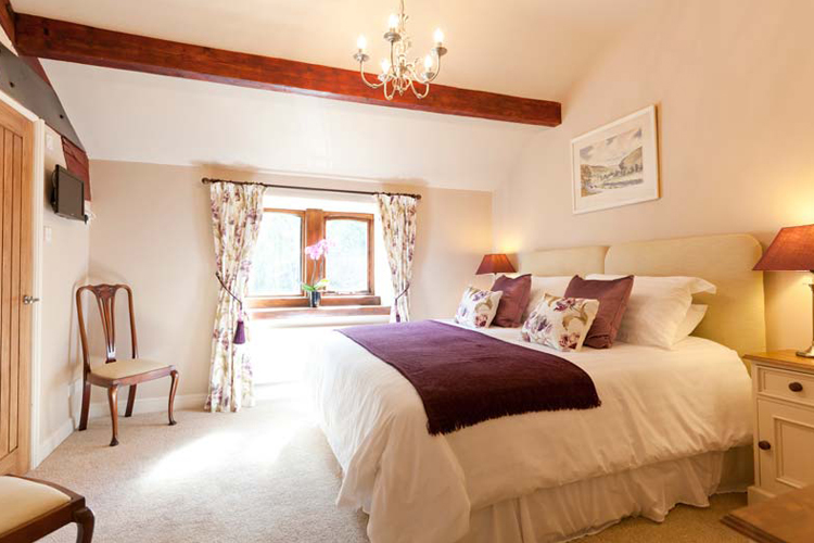 Throstle Nest Farm Bed and Breakfast - Image 2 - UK Tourism Online