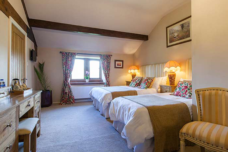 Throstle Nest Farm Bed and Breakfast - Image 3 - UK Tourism Online
