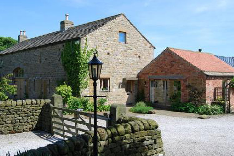 Willow Farm B & B and Holiday Cottage - Image 1 - UK Tourism Online