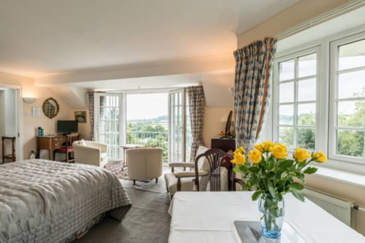 Willow Tree Cottage Bed & Breakfast - Image 2 - UK Tourism Online